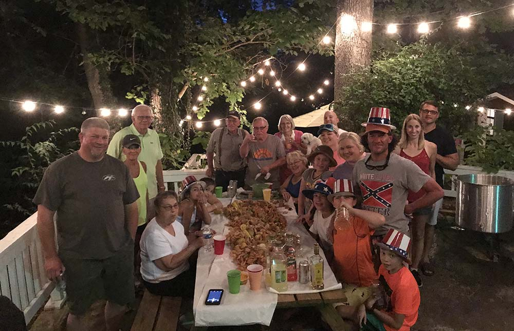 NOLA, OK guests doing a seafood boil!