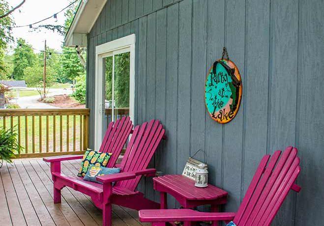 Lil Woody lake view deck