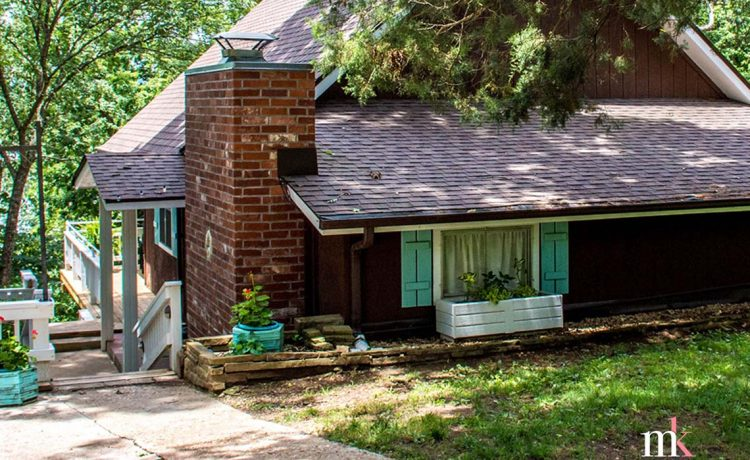 On The Rocks Cottage front page header by Molly Kuplen