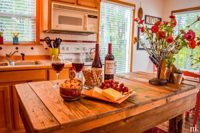 Twin Pines kitchen